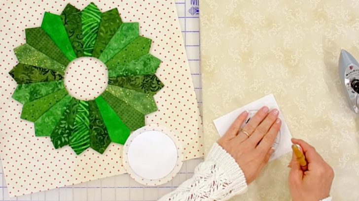 Dresden Inspired Holiday Wreath Quilt Block Diy Ways