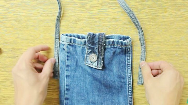 53732cacffb Stylish Purse Is Made Entirely From Recycled Denim Jeans. Advertisement.  Suart86   YouTube