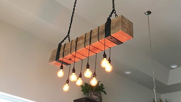 Easily Diy A Stunning Rustic Chandelier From Reclaimed Wood