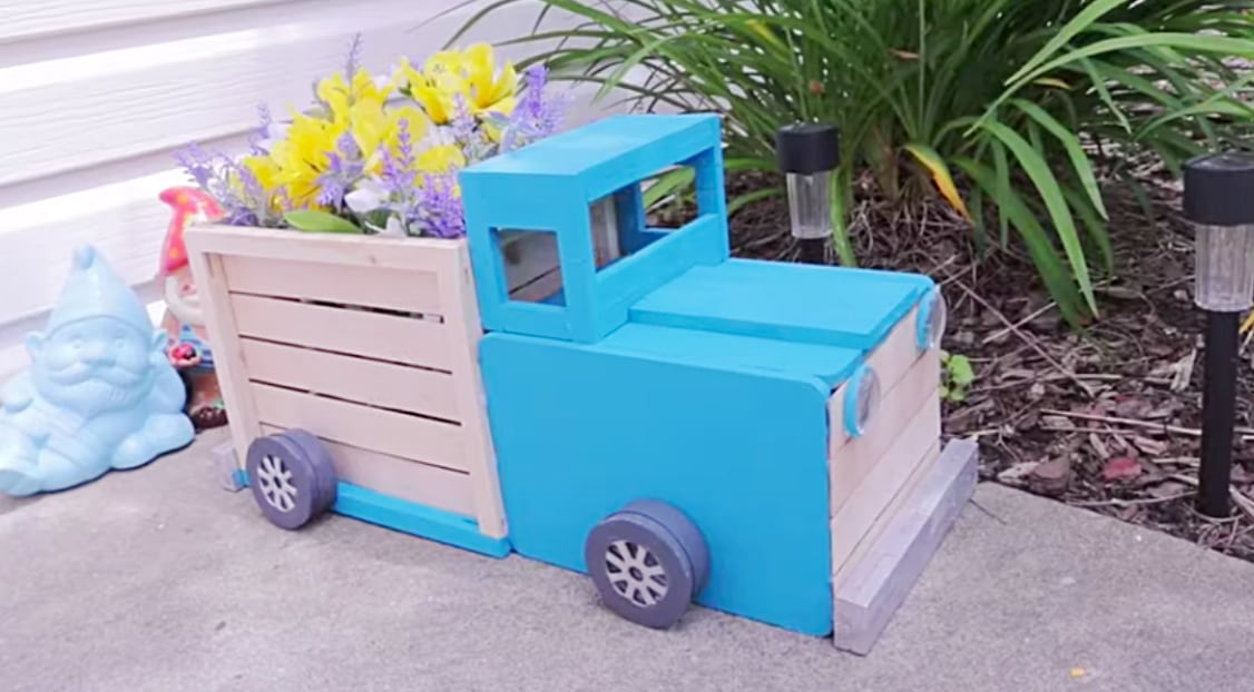 Make A Stylish Truck Planter Using Only Dollar Store Supplies Diy Ways