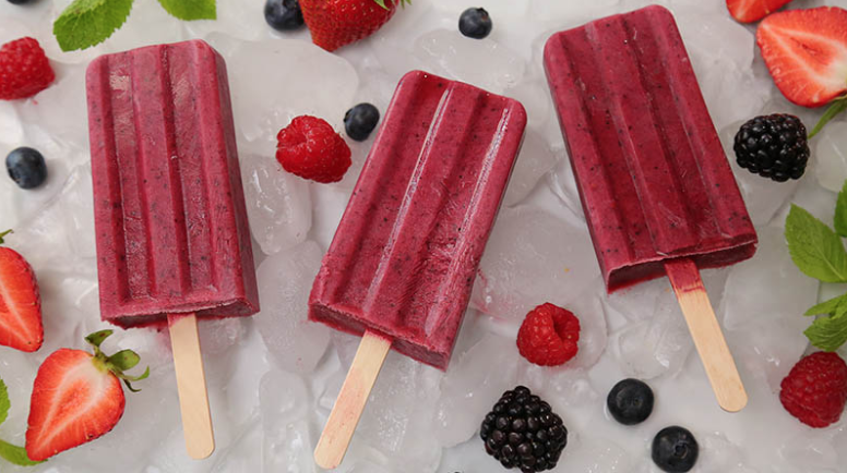 How to Make Smoothie Popsicles - Summertime Recipes for Kids