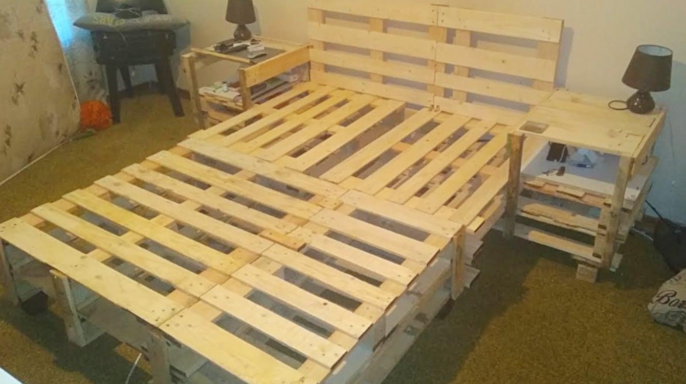 Make A Diy Wood Pallet Bed Frame With No Screws Nails Or Tools Diy Ways