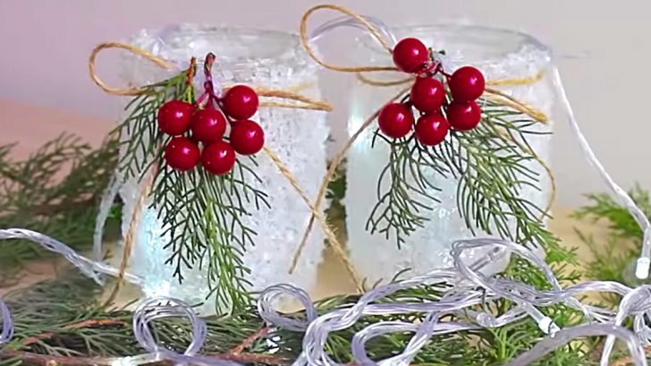 Make these cheap easy Mason Jar Epsom Salts Christmas Lamp Luminaries
