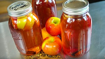 Learn to make strong decious apple pie moonshine from Everclear, Vodka or Tequila