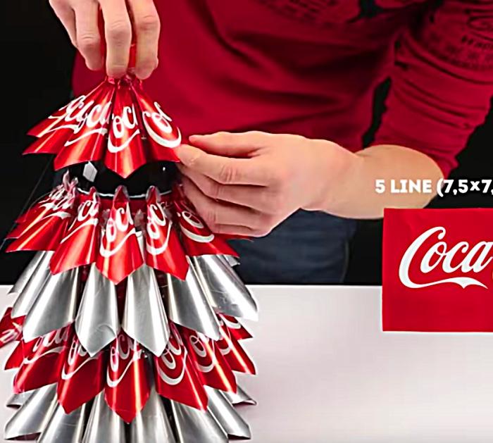 Learn to make this fabulous cheap quick Coke Bottle Coke Can Christmas Tree