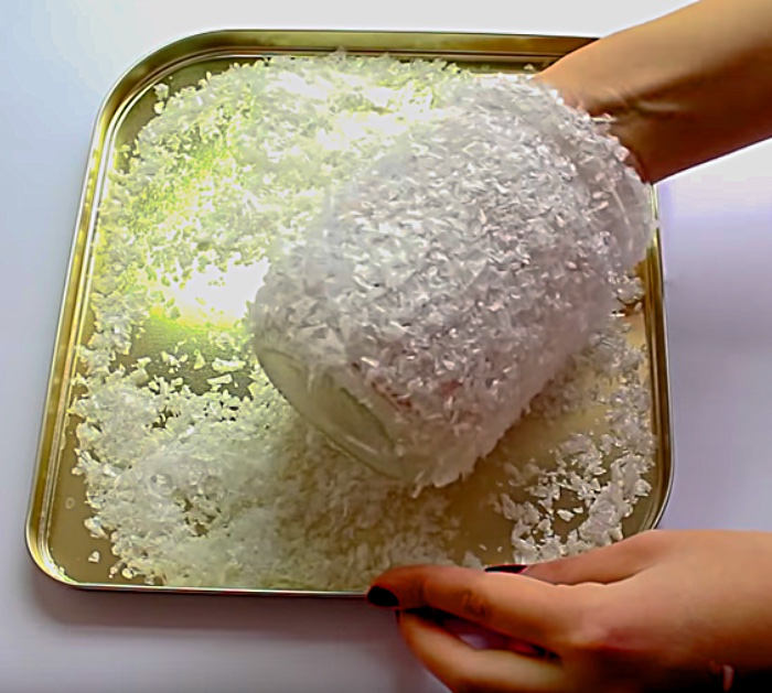 Learn To Make A Faux Snow Epsom Salts Christmas Lamp with a Mason Jar