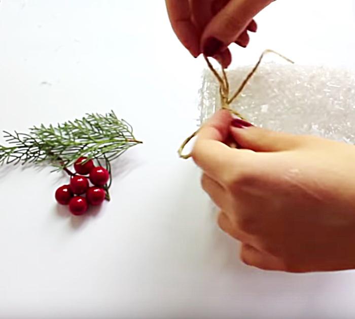 Make A DIY Mason Jar Christmas Lamp With Epsom Salts and Glue