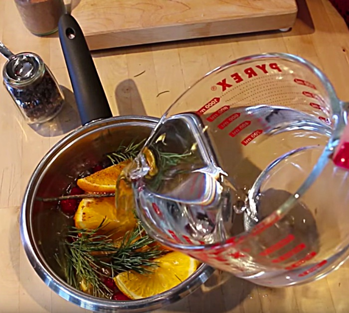 Easy stove-top potpourri recipe