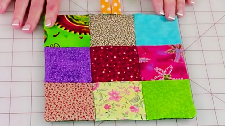 Learn to sew a DIY Quilted Pot Holder in 10 Minutes
