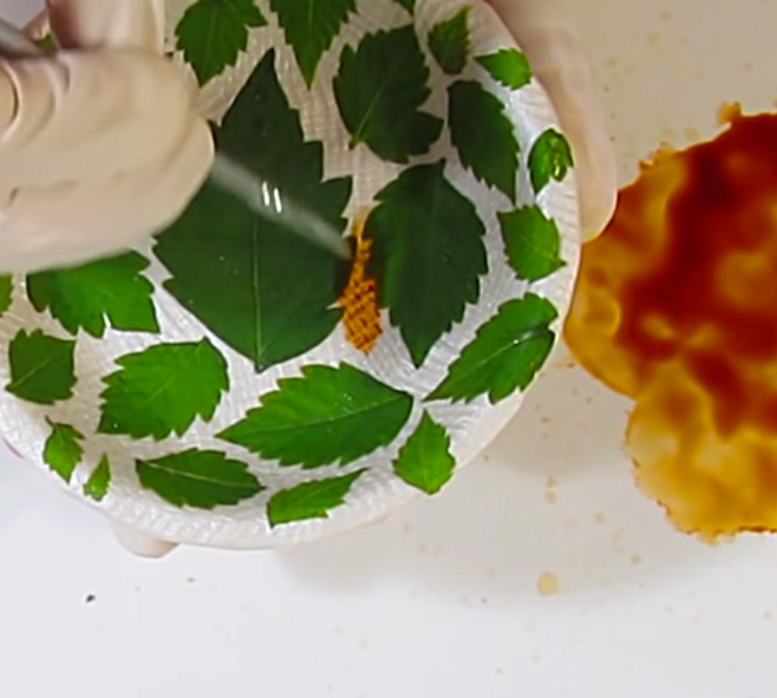 Lear how to create a DIY Clay Bowl With Leaf Imprints with Polymer Clay