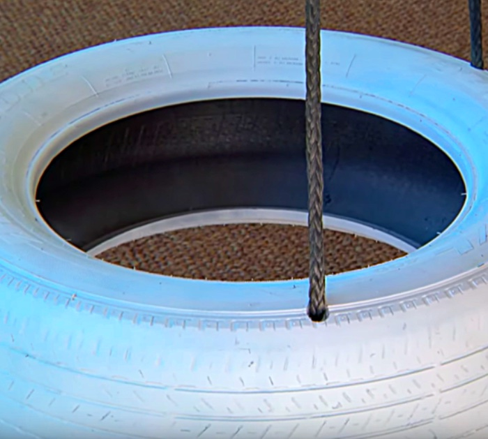 Learn To Make A DIY Tire Swing