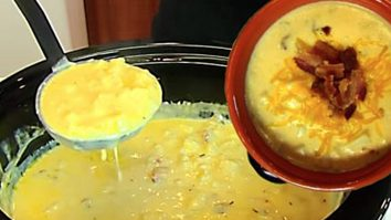 Make A Delicious Loaded Baked Potato Soup In A Crockpot Slow Cooker
