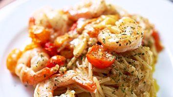 How To Make One-Pan Shrimp And Garlic Pasta