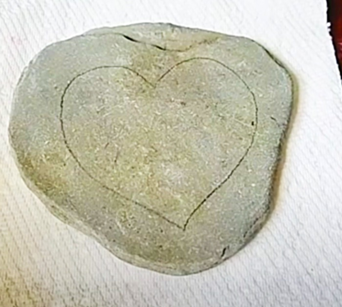 Draw A Heart On A Rock To make A Mandala