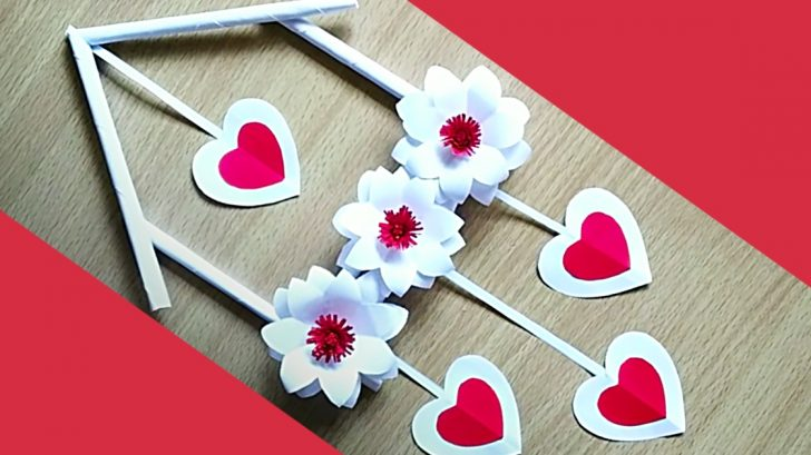 How To Make a Paper Flower Wall Hanging