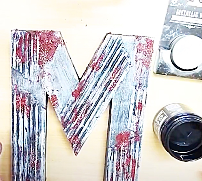 Layer White And Black Craft Paint To Make Decorative Wall Letters